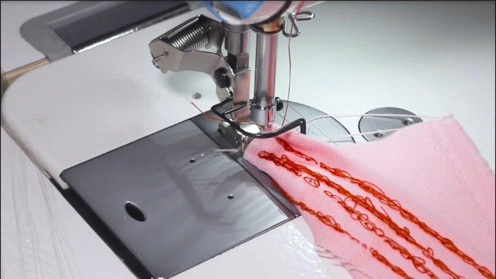 Aprende por qué la máquina de coser hace nudo abajo y